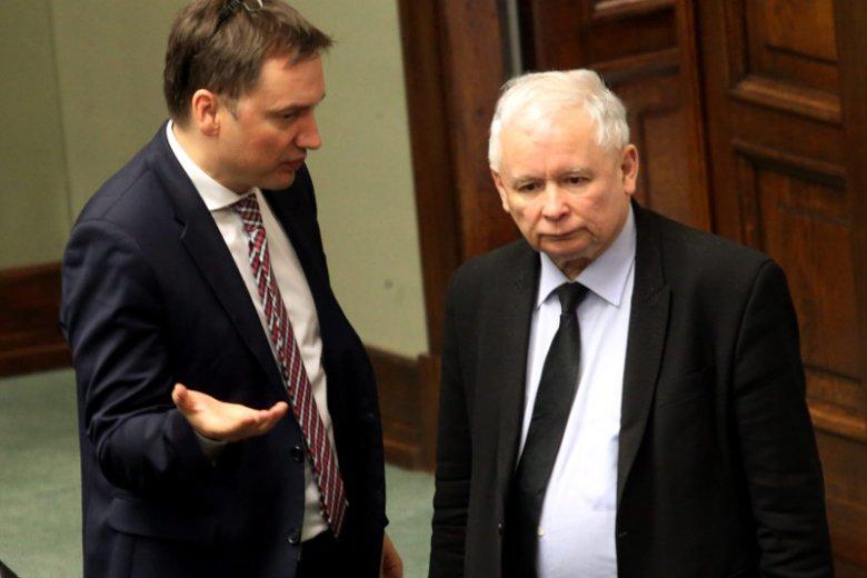 Minister Ziobro i poseł Kaczyński zaprezentowali ustawę przeciwko dzikiej reprywatyzacji.