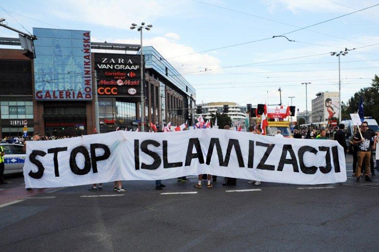 Europejczycy boją się islamizacji ze strony uchodźców, a nie mają świadomości, że zachodzi ona na zupełnie innym obszarze...