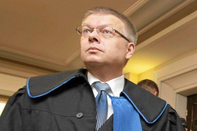 Były minister spraw wewnętrznych Janusz Kaczmarek przekonuje, że prokuratura interesuje się ludźmi, którzy umieszczają w internecie negatywne oceny restauracji czy pensjonatów