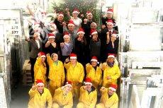 Świąteczna piosenka pracowników firmy Drutex stała się hitem internetu.