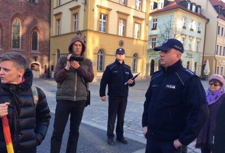 Wrocławska akcja solidarnościowa z osobami LGBT prześladowanymi w Czeczenii została rozpędzona