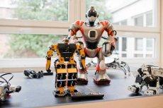 Laboratorium robotow mobilnych i przemyslowych . Fot. Marcin Onufryjuk/AG