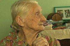 """99-letnia """"Babcia Ewa"""", jak nazwali ją internauci, została podstępnie okradziona z oszczędności życia. Ludzie dobrej woli z Polski i zagranicy zebrali już dla niej ponad pół miliona złotych."""