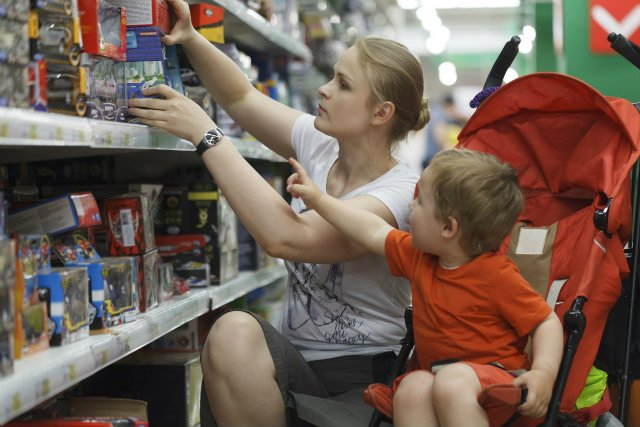 O wydatkach warto z najmłodszymi rozmawiać, nawet jeśli odmowa zakupu nowej zabawki ma spore szanse zamienić się z sklepową scenę histerii