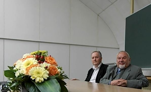Jubilaci: prof. Tadeusz Grabiński, były rektor UEK, oraz ja.