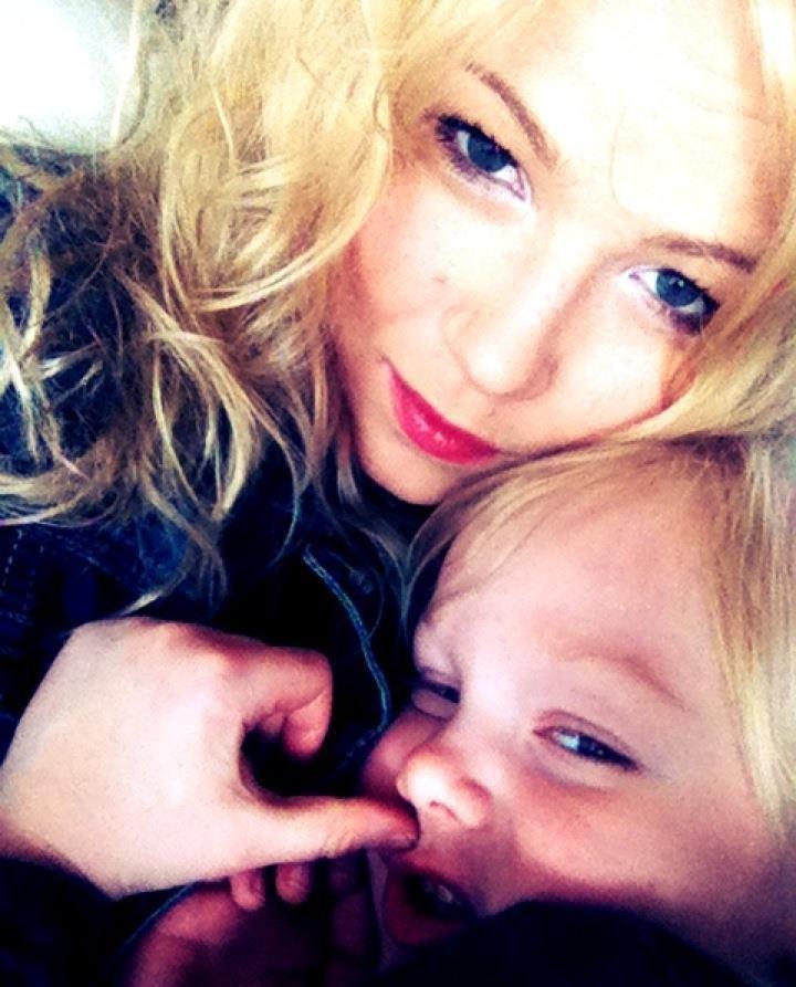 Dominika Korzeniewska z córką Wiktorią
