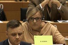 """Beata Kempa """"popisała się"""" podczas obrad na temat praworządności. Porównała Fransa Timmermansa do sowieckich komisarzy."""
