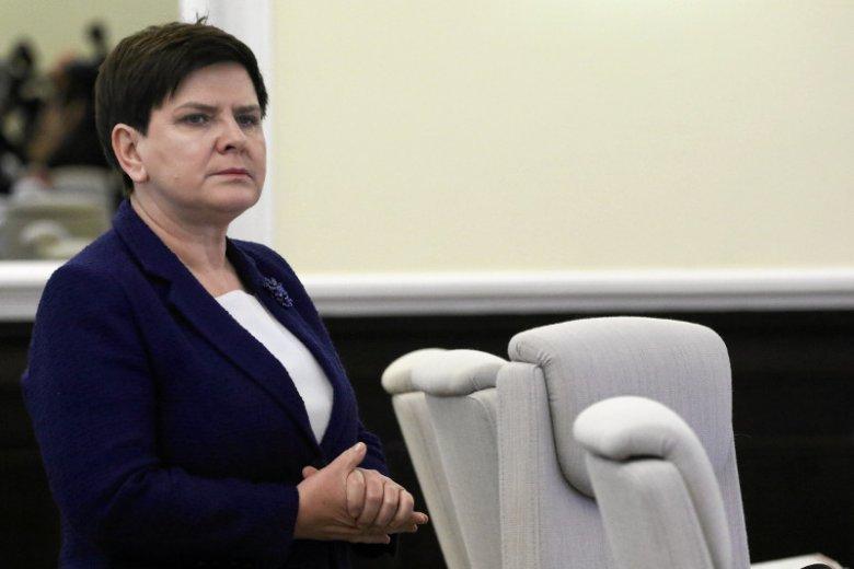 Beata Szydło nie może pogodzić sięz utratąfotela premiera.