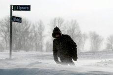 Zima nie zamierza tak łatwo odpuszczać. Dzisiaj i w weekend trzeba znów założyć grubsze płaszcze.