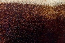 Rakotwórczy barwnik dodawany jest do niektórych napojów gazowanych
