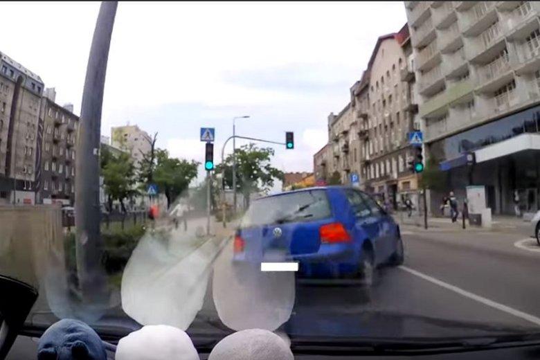 Warsaw Drive pokazuje jak poniekąd doprowadza do kolizji z innymi kierowcami w Warszawie.