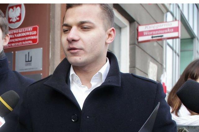 Mateusz Pławski nie jest już rzecznikiem Młodzieży Wszechpolskiej, poinformował Ryszard Czarnecki w RMF FM.