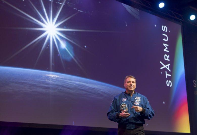 Terry Virts podczas wykładu na festiwalu Starmus