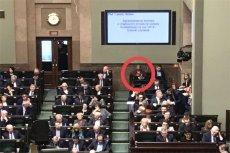 Krzysztof Berenda pokazał gdzie usiadła Krystyna Pawłowicz podczas środowego posiedzenia Sejmu.