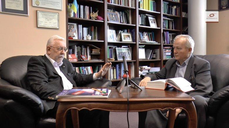Były sędzia Trybunału Konstytucyjnego Jerzy Stępień rozmawia z Andrzejem Dominiczakiem