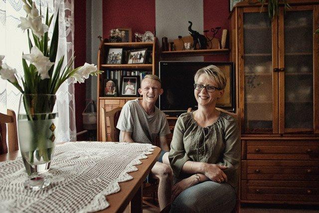 Mąż pani Agnieszki wróci z zagranicy dopiero, kiedy wszystkie dzieci skończą szkołę.