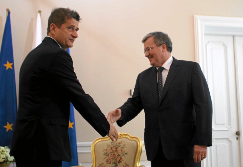Janusz Palikot i prezydent Bronisław Komorowski podczas konsultacji z szefami partii po wyborach parlamentarnych. 2011 rok, Pałac Prezydencki