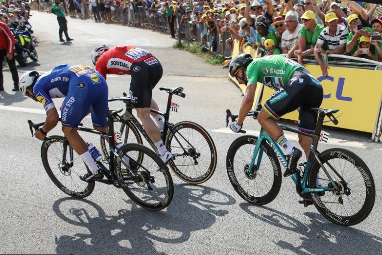 Tour de France to naprawdę ogromna, świetnie zorganizowana sportowa impreza.