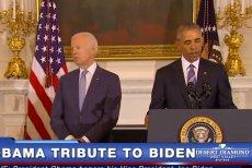 Joe Biden przyjmuje Medal Wolności od Baracka Obamy.