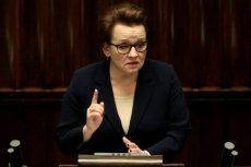 Minister Zalewska przekonywała, że uda się wprowadzić wszystkie zmiany przed nowym rokiem szkolnym. Dyrektorzy małych szkół na prowincji mają jednak powody do niepokoju.