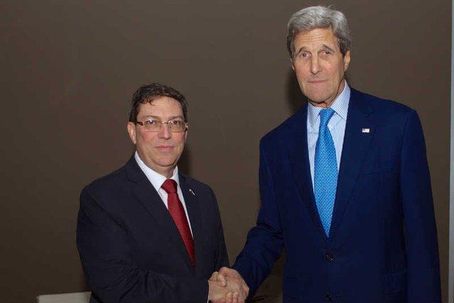 Bruno Rodriguez i John Kerry spotkali się w Panamie.