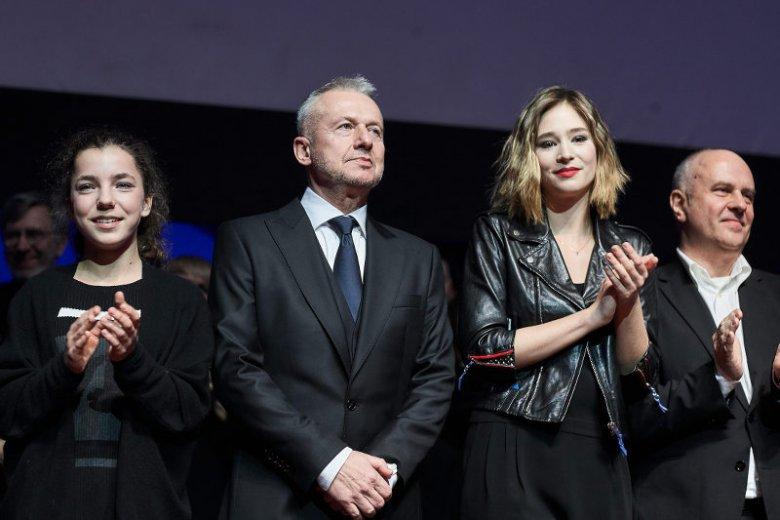 """Bronia Zamachowska na premierze """"Powidoków"""" w towarzystwie Bogusława Lindy i Zofii Wichłacz"""