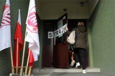 Spisywanie strajkujących nauczycieli jest bezprawne.