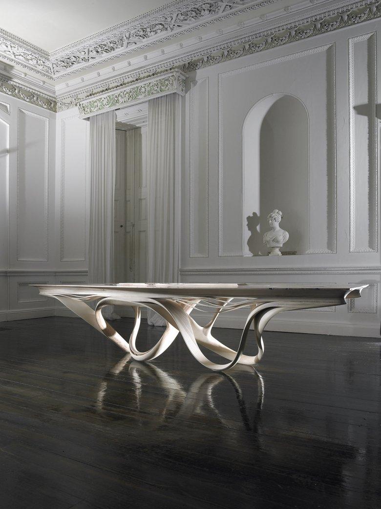 Stół z kolekcji Enignum. Zdjęcia dzięki uprzejmości studia [url=http://www.josephwalshstudio.com/] Joseph Walsh [/url]