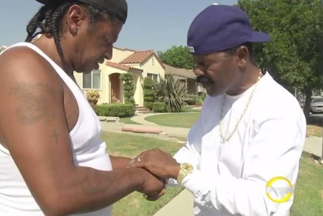 """Zrzut ekranu fragmentu zajawki programu """"Preachers of L.A."""" stacji Oxygen"""