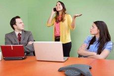 Najczęstszym przewinieniem użytkowników telefonów komórkowych jest głośne rozmawianie przy innych