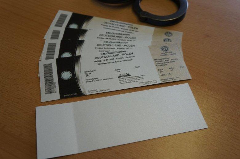 Rewers fałszywych biletów
