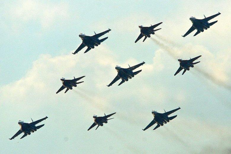Zapad 2013 to pokaz siły z użyciem licznego lotnictwa, czołgów, a nawet rosyjskiej floty.
