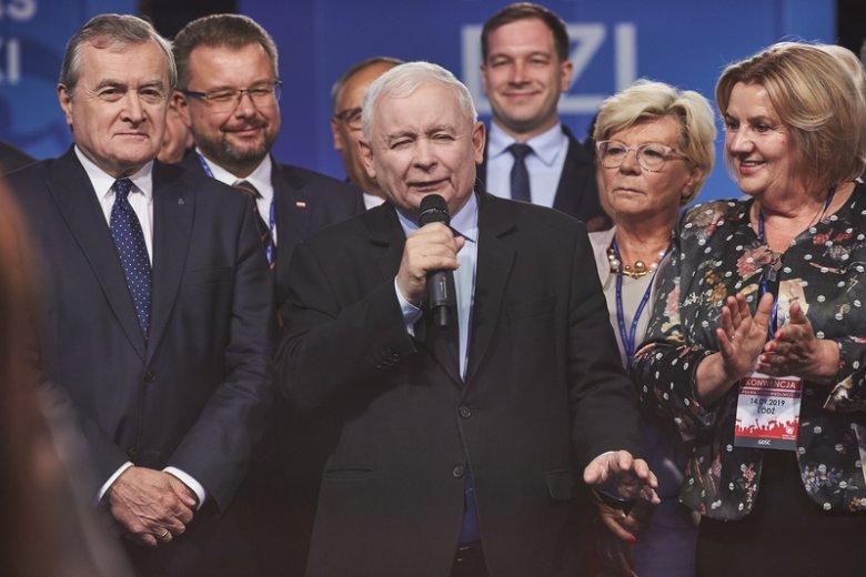 Czy każdy rodzi się kobietą lub mężczyzną? Słowa Jarosława Kaczyńskiego, przewodniczącego PiS, komentuje dr n. med. Bożena Jawień, ginekolożka i endokrynolożka.