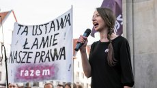 Pierwszym projektem, który nasza partia złoży po wejściu do Sejmu, będą przepisy łagodzące ustawę antyaborcyjną - mówi w rozmowie z naTemat.pl jedna z liderek Razem Agnieszka Dziemianowicz-Bąk .