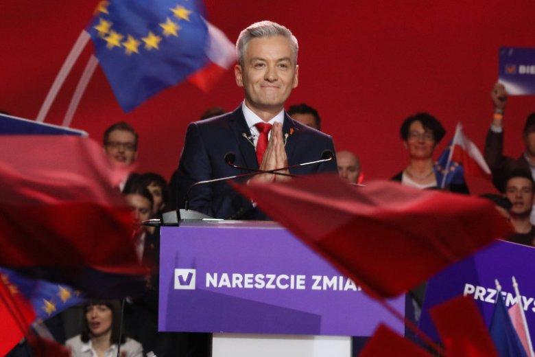 Ilu posłów może mieć w Sejmie Wiosna Roberta Biedronia? Ekspertowi partii Jakubowi Bierzyńskiemu wytknięto błąd w obliczeniach.