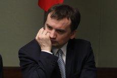 Zbigniew Ziobro przyłapany na tym, jak kręci. Nowa prezes sądu zdecydowanie zaprzecza stanowisku ministerstwa.