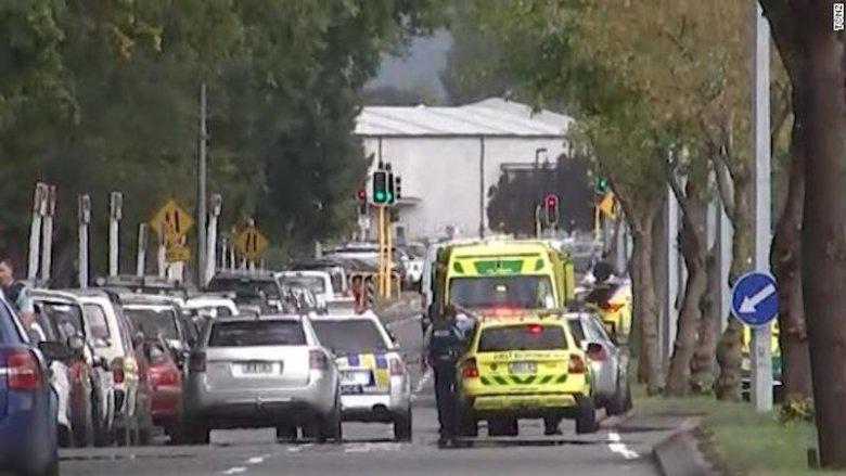 """Ataki na meczety w Nowej Zelandii. Premier mówi o """"jednym z najczarniejszych dni w historii""""."""