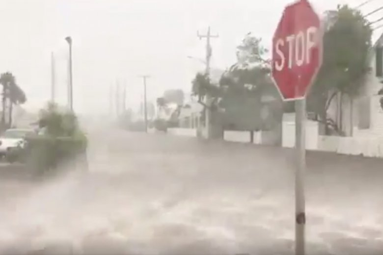 Atak Irmy na Florydzie. Wstrząsające nagrania dokonane przez tych, którzy się nie ewakuowali.