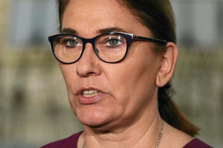 Beata Mazurek odpowiedziała Bronisławowi Komorowskiemu. Były prezydent ocenił, że trzeba brać 500+ czy 13. emeryturę ale nie głosować na PiS.