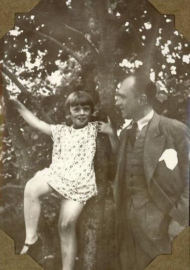 Iwaszkiewicz z córką Marią, Stawiska 1930.