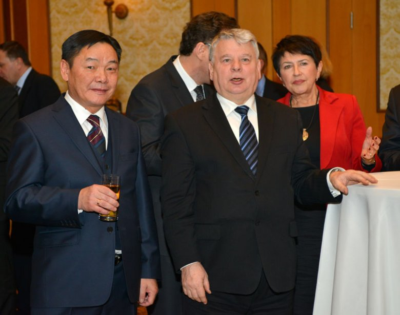 Ambasador Mongolii w Polsce Adiya Ganbaatar z Marszałkiem Senatu RP Bogdanem Borusewiczem