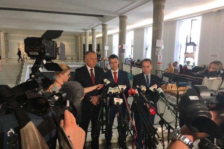 """Posłowie Adam Andruszkiewicz, Jarosław Porwich oraz radny Daniel Purwin czyli """"Stowarzyszenie dla Polski"""""""