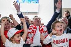 Andrzej Duda w Masłomiącej cieszy się z sukcesu polskich siatkarzy.
