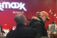 Mateusza Kijowskiego przyłapano na zakupach w sklepie odzieżowym.