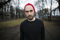 Pisarz Jakub Żulczyk podsumował interwencję policji wobec 13-latka w kościele w Bełchatowie.