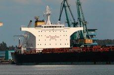 Na zdjęciu masowiec, który do portu w Świnoujściu temu przywiózł blisko 100 tys. ton węgla z USA. Teraz ten rekord sprzed paru lat został zdecydowanie pobity.