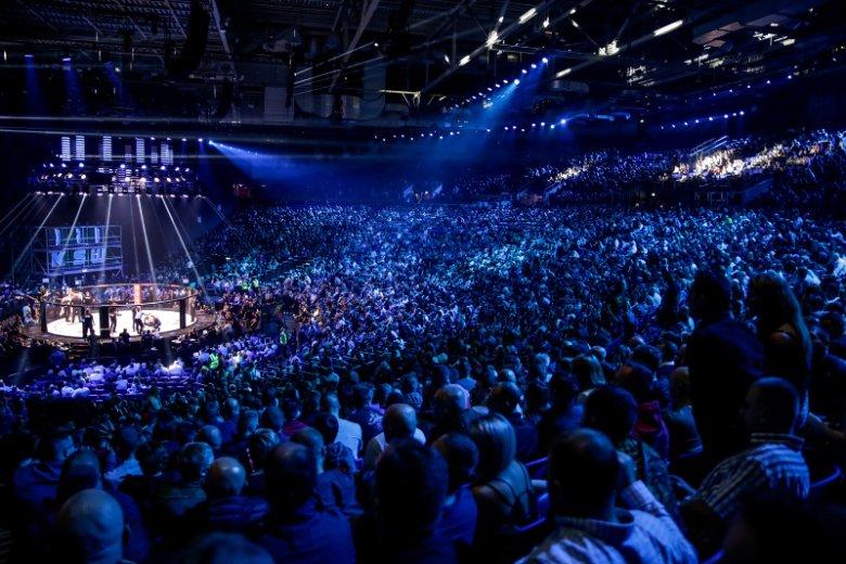 Każda gala KSW przyciąga tysiące osób.