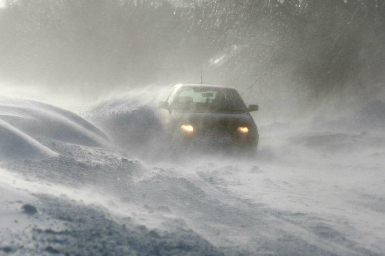 Ratownicy TOPR ostrzegają: pogoda absolutnie nie pozwala na wycieczki w wysokie partie gór.