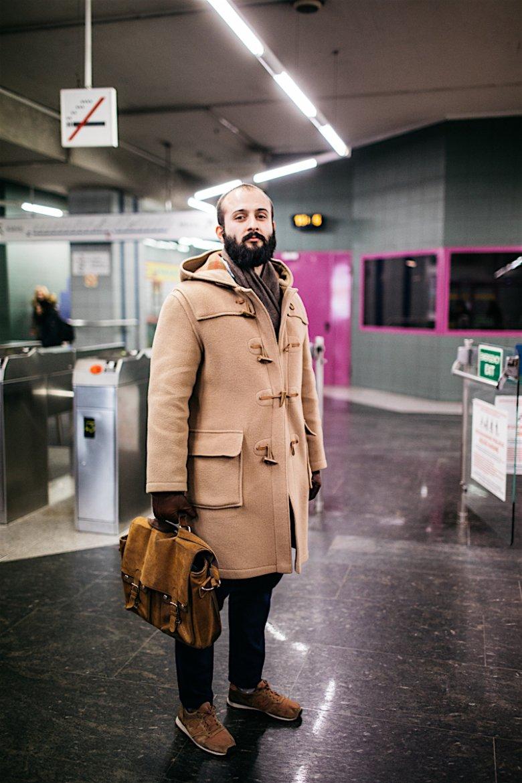 """Tomasz spotkany na stacji metra Świętokrzyska pracuje w branży związanej z nowymi technologiami. """"Korzystam z metra, ponieważ zarówno mieszkam i pracuję tuż obok stacji, to jedyny powód"""""""