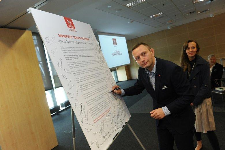 """Paweł Rabiej (ThinkTkank) podpisuje się pod manifestem """"Marka dla Polski"""""""